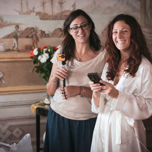 la sposa durante i preparativi a Villa Poschi