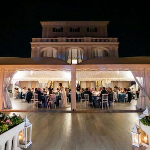 cena notturna a Villa Parisi