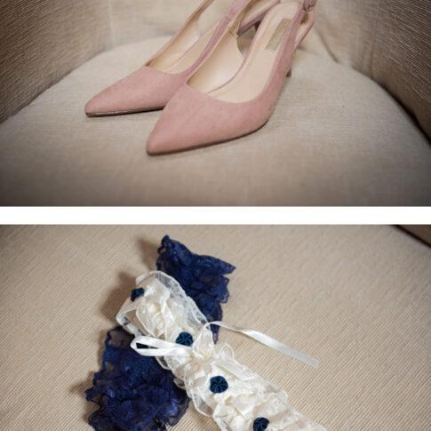 dettaglio delle scarpe e giarrettiera della sposa